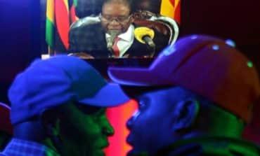 President Mugabe stuns Zimbabwe by defying pressure to resign