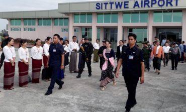 Myanmar's Suu Kyi urges people not to quarrel on Rakhine visit