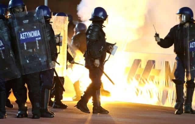 Football riot interrupts AEL-Apoel match