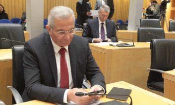 Akel warns of 'Santa' president in budget debate (Update 3)