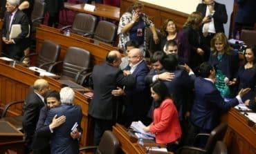 Peruvian president divides opposition to avert ousting
