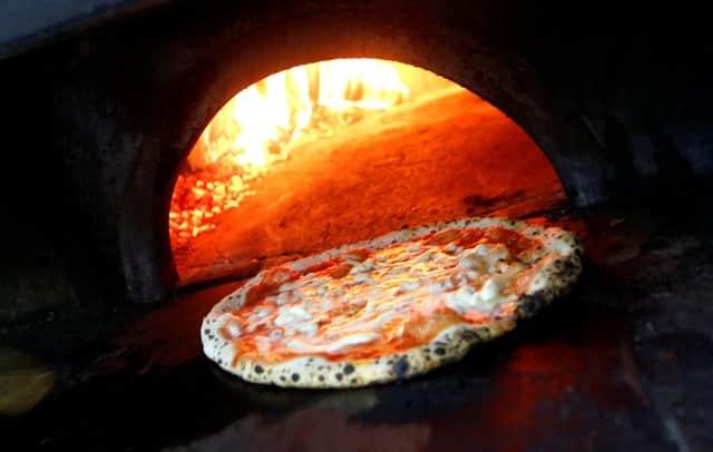 Neapolitan pizza making wins world heritage status