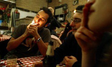 Austria to drop impending smoking ban, bucking Western trend