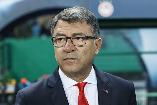 Olympiakos sack coach Lemonis