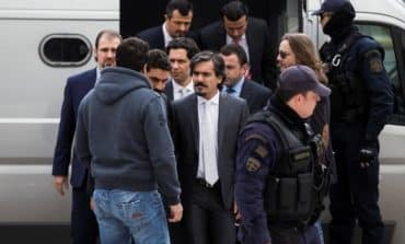Athens won't extradite Turk soldiers, floats possible trial in Greece