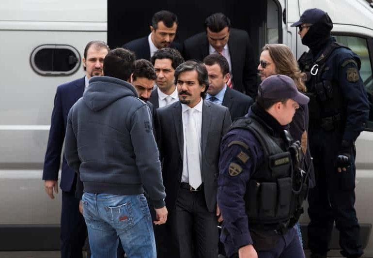 Greek court temporarily freezes asylum to Turkish soldier