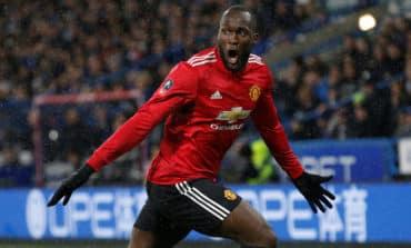 Lukaku double sends Man United into quarter-finals