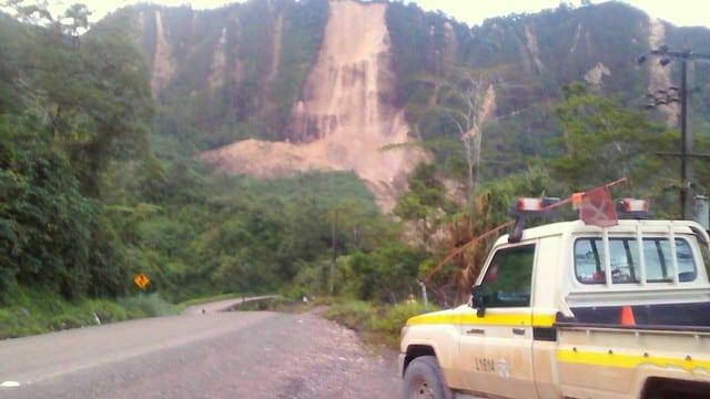Major quake cuts communications in Papua New Guinea