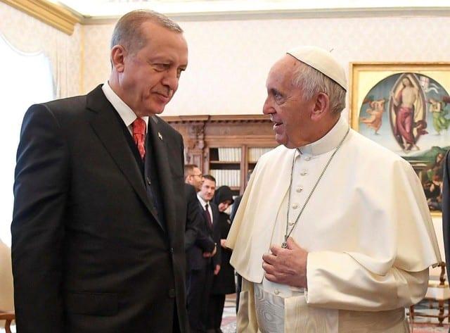 Erdogan and pope discuss Jerusalem as scuffles break out