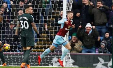 Man City held at Burnley after late Gudmundssonequaliser