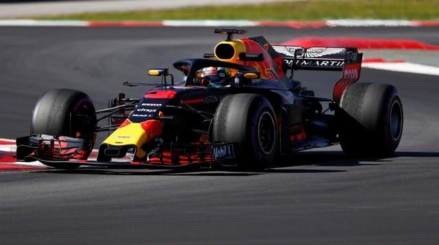Ricciardo breaks Barcelona track record in testing
