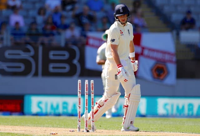 England crumble against New Zealand
