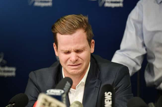 'Devastated' Smith makes tearful apology