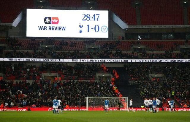 VAR gets frosty reception after 'shambolic' clash
