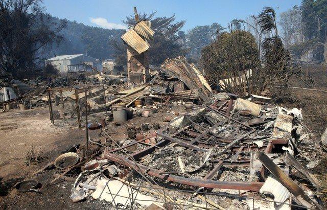 Australians flee homes as grassfires hit southeast