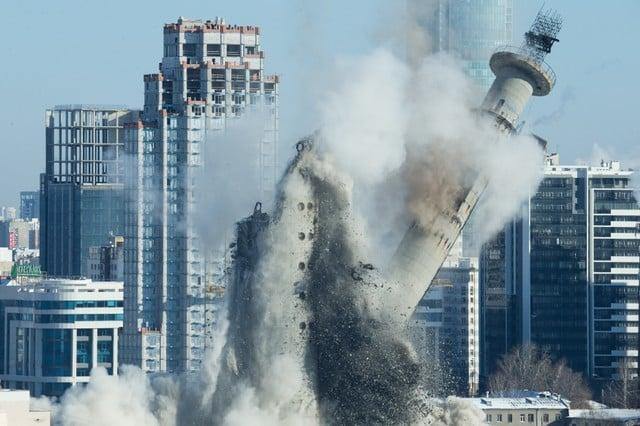 Russian World Cup city razes Soviet-era landmark