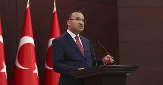Turkey not siding with anyone on Syria
