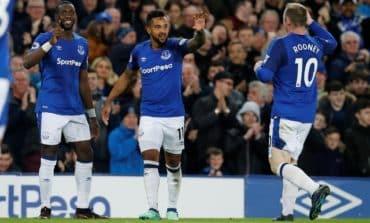 Walcott winner against Newcastle sends Everton eighth