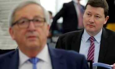 EU lawmakers chide Juncker over aide's promotion 'coup'