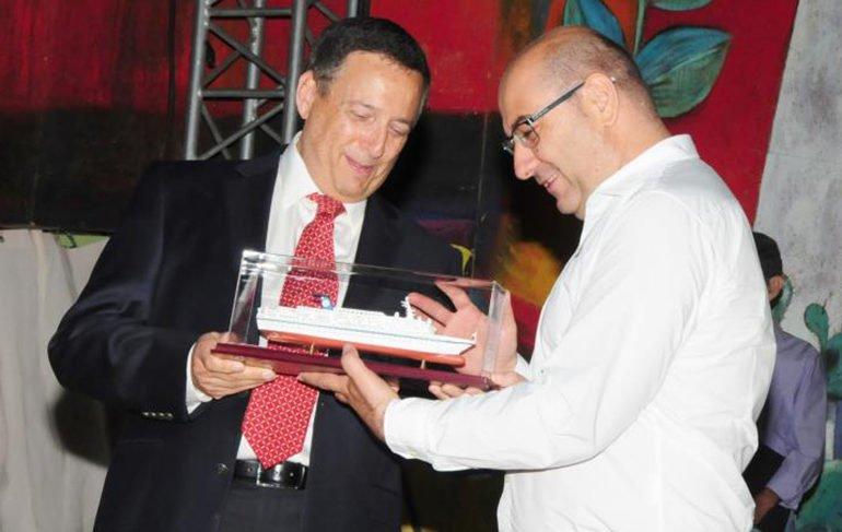 Larnaca honours Israeli cruise ship company