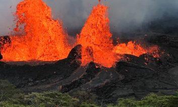 Ocean, jungle explosions new risks from Hawaii eruption