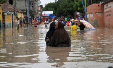 Heavy rains, landslides kill five in Sri Lanka, cyclone kills 15 in Somaliland