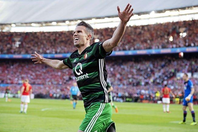 Feyenoord's Van Persie not ready to retire