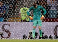 Spain coach backs under-pressure De Gea