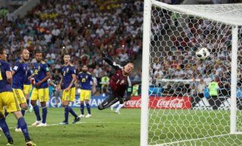 Late Kroos winner against Sweden keeps Germany alive