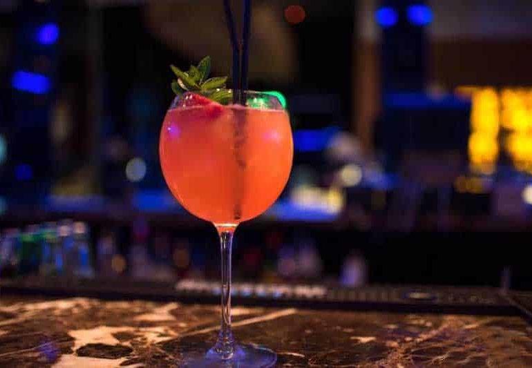 Bar review: Marina Breeze Lounge Bar, Limassol