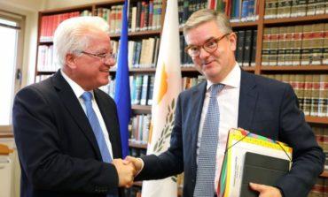Cybercrime, terrorism, on agenda for EU's official's visit