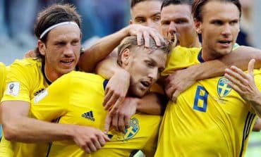 Sweden win scrappy Swiss encounter to reach World Cup quarter-finals