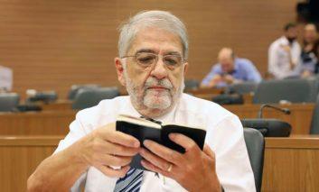 Former Co-op officials point finger at Hadjiyiannis (Update 3)