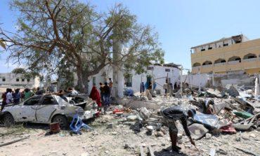 Car bomb kills at least six in central Mogadishu