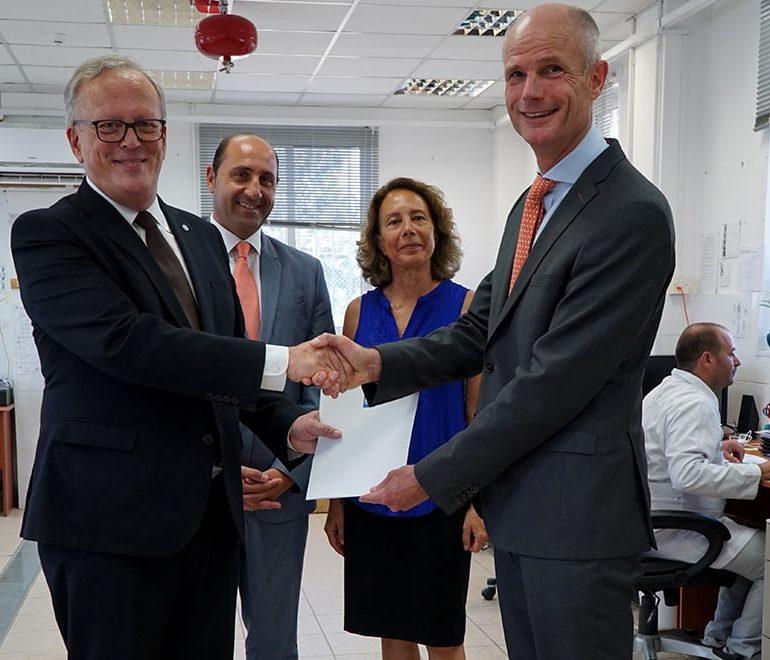 Dutch FM hopes to see resumption of Cyprus talks, visits CMP lab
