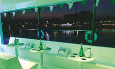 Perrier bids farewell to summer in the most #extraordinaire way!