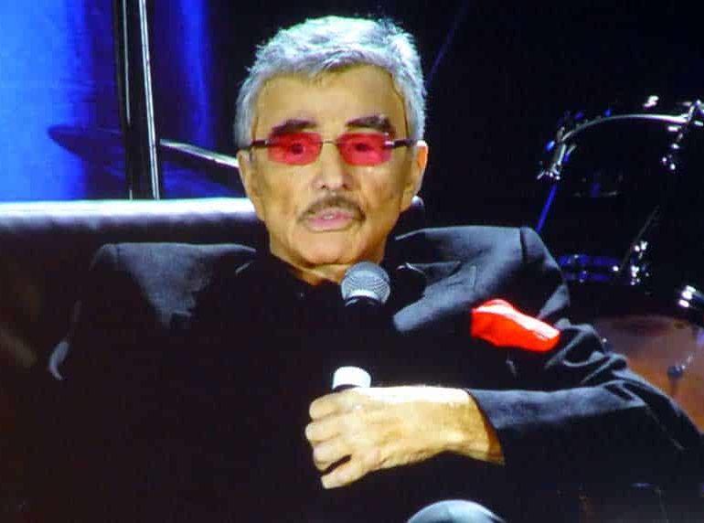 Dolly Parton has paid tribute to Burt Reynolds