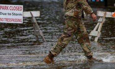 Hurricane Florence makes landfall, set to inundate Carolinas