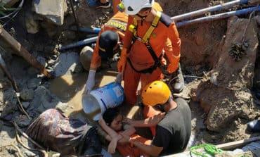 Rescuers search for survivors of Indonesian quake, tsunami