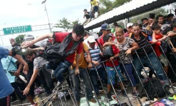 Thousands stuck at Guatemala-Mexico border