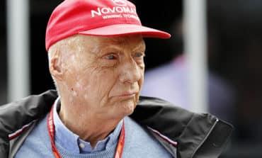 Niki Lauda leaves hospital after lung transplant