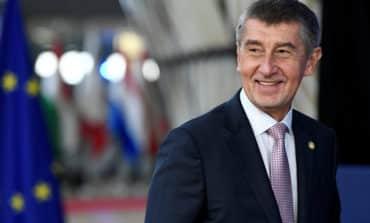 Czech PM wants to leave UN migration agreement