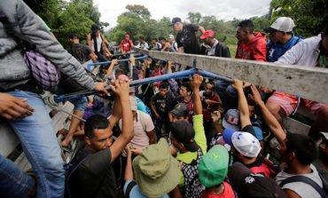 Trump signs order limiting migrant asylum at US-Mexico border