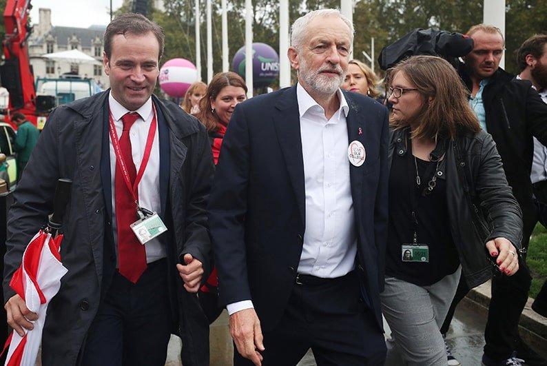 juna British police investigate anti-Semitic hate crimes in Labour