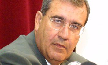 Boycotting negotiating team 'not the way to rein in Anastasiades'