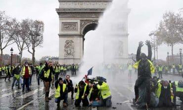 Can Macron survive France's 'yellowvest' revolution?