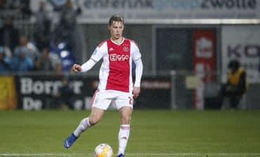Barcelona to sign Ajax's De Jong in 86 million euros deal