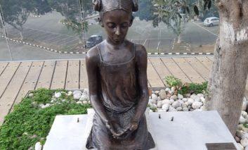 Bronze birds stolen from popular Paphos statue