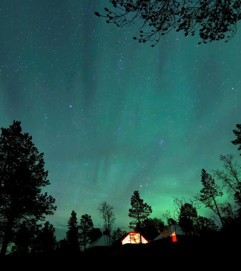 Shifting north magnetic pole forces unprecedented navigation fix