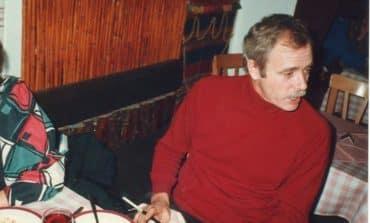 Veteran journalist Charles Snow dies aged 78